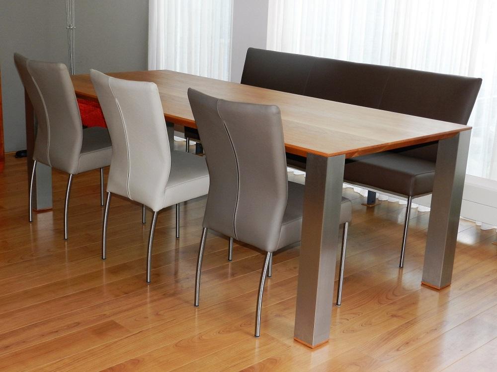 Zwarte Eettafel Met Rvs Poten.Eetkamerstoelen En Tafels Op Maat Moderne Eettafels